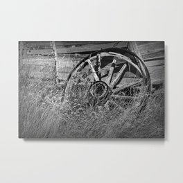 Black & White Photo of an Old Broken Wheel Metal Print