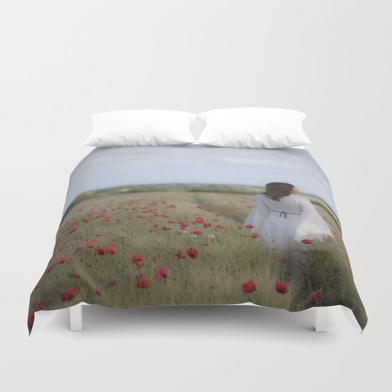 Dreaming in the field Duvet Cover