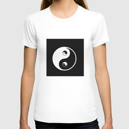 Ying yang the symbol of harmony and balance- good and evil T-shirt