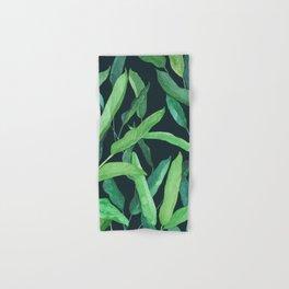 hojas tropicales con fondo obscuro Hand & Bath Towel