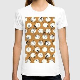 Dancing Ms. Adu Pattern T-shirt
