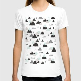 Geometric Fuji mountain japan travel pattern T-shirt