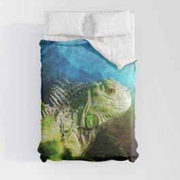 Blue And Green Iguana Profile Comforters
