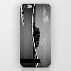 Nostalgie Nostalgie (Monochrome) iPhone & iPod Skin