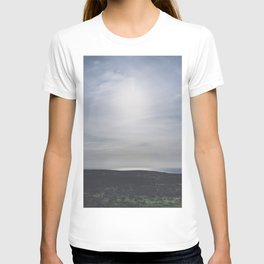 Blue skies at sundown / island summer view / Ireland wanderlust fine art print T-shirt
