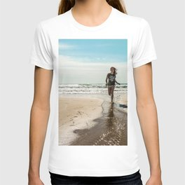 Vintage photo beach girl T-shirt