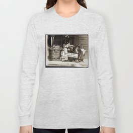 Suffrage Envoy Photograph (1915) Long Sleeve T-shirt
