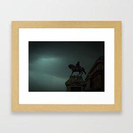 Közelgő vihar Framed Art Print