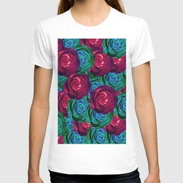 closeup blooming roses in red blue and green T-shirt