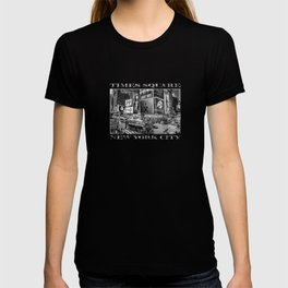 Times Square II (B&W widescreen) T-shirt