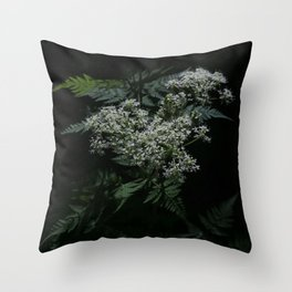 blomster Throw Pillow