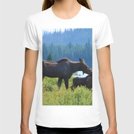 Mother moose & calf at Maligne Lake in Jasper National Park T-shirt