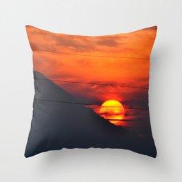 SUNSET OVER MOUNT HOOD Throw Pillow
