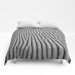 Wind traces. Mono Comforters