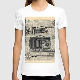 nautical compass dictionary print steampunk skeleton keys antique camera T-shirt