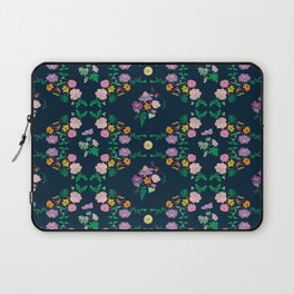 Floral garden Repeat Pattern Illustrated Print Laptop Sleeve