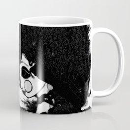 Mujer y Árbol Coffee Mug