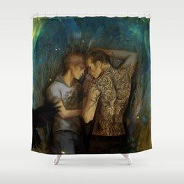 Unguibus et rostro Shower Curtain