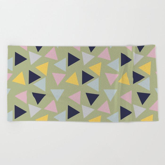 Retro Geometric Triangle Print Beach Towel