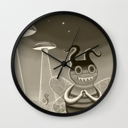 bee movie noir Wall Clock