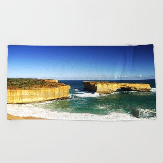 London Bridge  Beach Towel