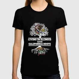 inous living in illinous with wolf T-shirt