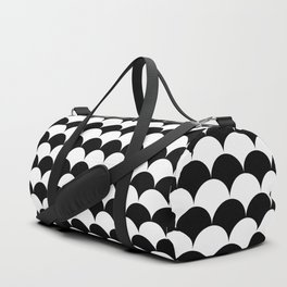 Black and White Clamshell Pattern Duffle Bag