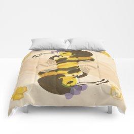 Print: Queen (Bee) of Clubs Comforters