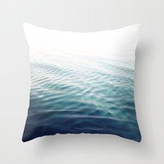 Pure Onde Throw Pillow