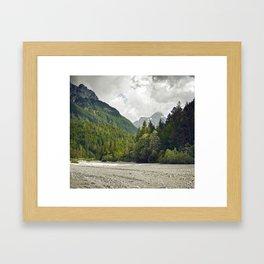 Le silence des cailloux Framed Art Print