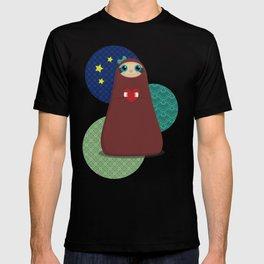 Zaza takes a night stroll T-shirt
