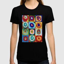 Colorful circles tile T-shirt