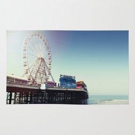 Ferris wheel on Blackpool Pier, hot summer morning. Rug