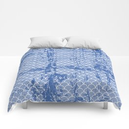 Abstract texture on small scalllops in serenity blue Comforters