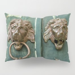 Lion heads of precious metal Pillow Sham