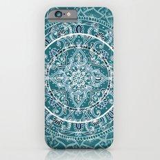 Detailed Teal and Blue Mandala Pattern Slim Case iPhone 6