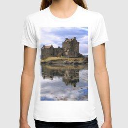 Eilean Donan Castle Scotland T-shirt