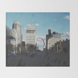 St. Louis Arch Throw Blanket
