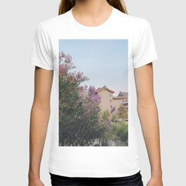 flower photography by KAL VISUALS T-shirt