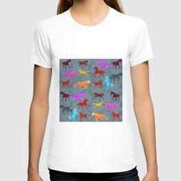 Horses Pattern21 T-shirt