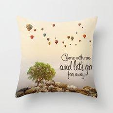 Far away (ballons) Throw Pillow