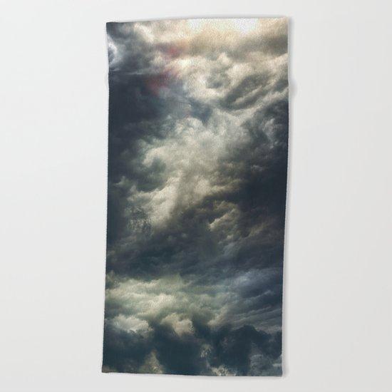 Cloudio di porno II Beach Towel