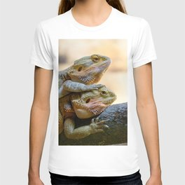 Couple of bearded dragons T-shirt
