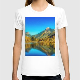 Sienna Lake | Fall colors at the mountain - Oil Canvas Painting  T-shirt