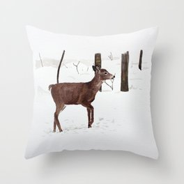 Chevreuil Throw Pillow