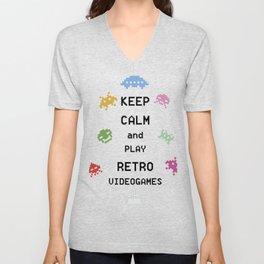Keep calm and play retro videogames Unisex V-Neck