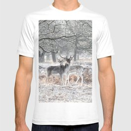 Winter morning in Richmond Park T-shirt
