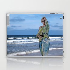 summer dreaming Laptop & iPad Skin