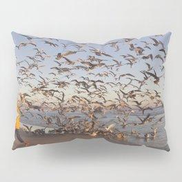 Feeding the seagulls Pillow Sham