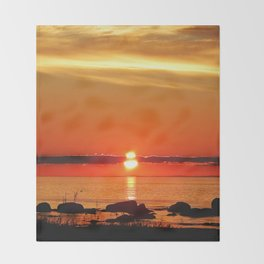 Sunset in a Northern Paradise Throw Blanket